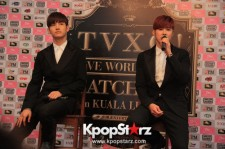 TVXQ Greets Malaysian Press