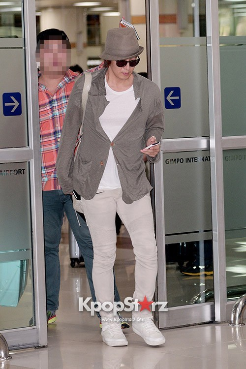 Actor Bae Young Joon At Kimpo Airport Returns to Korea From Japan on May 25, 2013key=>1 count7