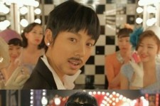 Lee Hyori Wears Wig and Mustache, 'Good-Looking Man'