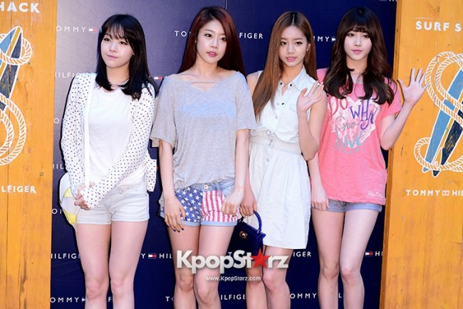 "Girls Day's Sojin, Yura, Minah, Hyeri Attend TOMMY HILFIGER ""Surf Shack"" Collectionkey=>0 count9"