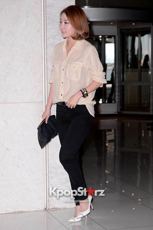 Lyn Attends as a Guest at Baek Ji Young & Jung Suk Won's Wedding on May 2, 2013key=>2 count6