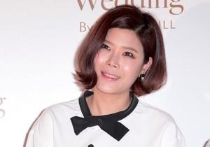 Lyn Attends as a Guest at Baek Ji Young & Jung Suk Won's Wedding on May 2, 2013