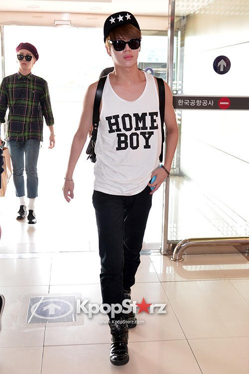 Airport Style: SHINee Leaves for Schedule In Japan on June 10, 2013key=>9 count21
