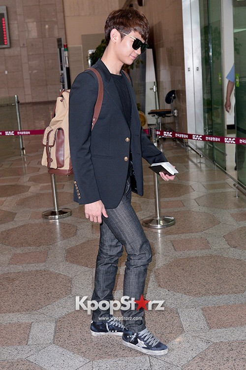 Airport Style: SHINee Leaves for Schedule In Japan on June 10, 2013key=>13 count21
