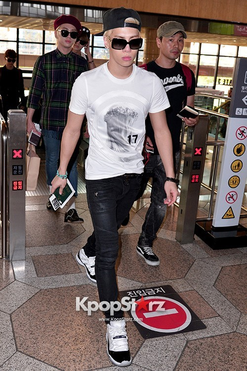 Airport Style: SHINee Leaves for Schedule In Japan on June 10, 2013key=>20 count21