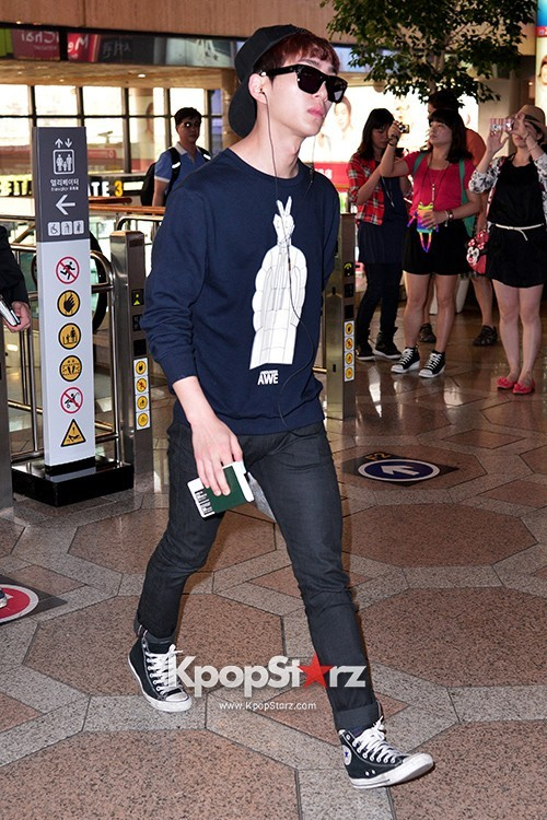 Airport Style: SHINee Leaves for Schedule In Japan on June 10, 2013key=>4 count21