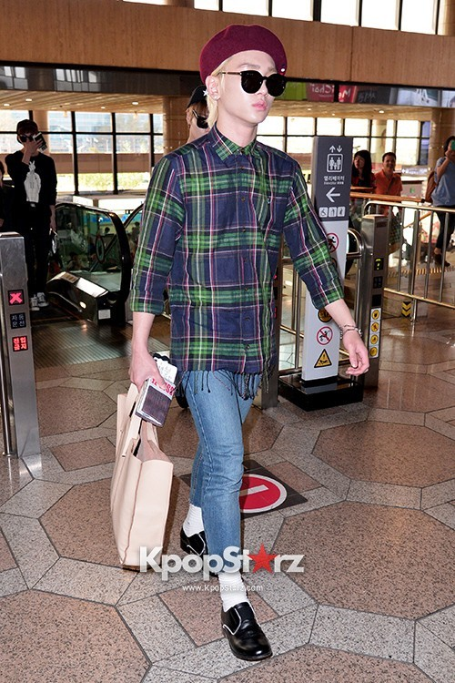 Airport Style: SHINee Leaves for Schedule In Japan on June 10, 2013 key=>3 count21
