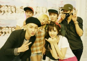 Girls' Generation Reveals Backstage Photo with Eunhyuk, EXO and Key From 2013 World Tour 'Girls& Peace' In Seoul