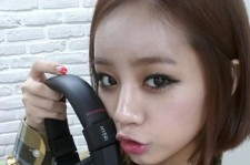 girl's day hyeri headphones