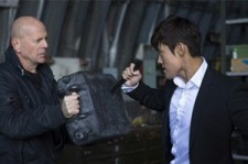 Actor Bruce Willis Praises Lee Byung Hun on U.S. Talk Show