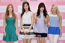 Girls' Generation Reveals Chic Attire at 'Hair Couture' Asia Launching Fan Sign Event