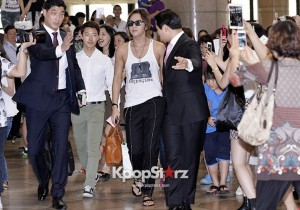 Jang Keun Suk Casual Chic While Leaving for Birthday Ceremony with Fans in Japan