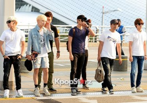 SHINee Leaves for Japan in Casual T-Shirt and Jean Attire