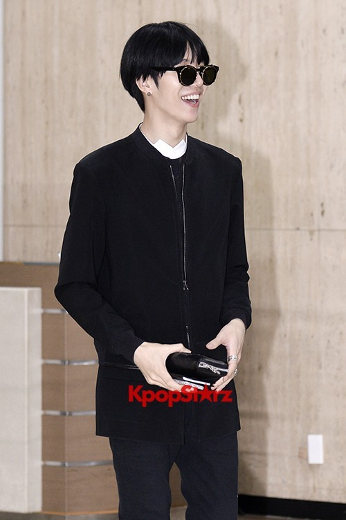 ICON (No Min Woo) All Black Leaving for Japankey=>6 count12