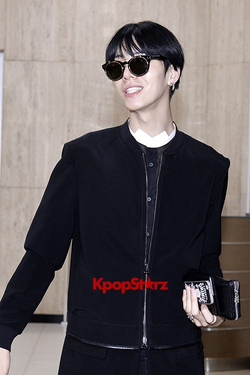 ICON (No Min Woo) All Black Leaving for Japankey=>11 count12