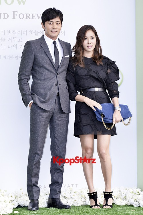 Jang Dong Gun-Ko So Young in Black and Gray for Lee Byung Hun-Lee Min Jung Weddingkey=>6 count8