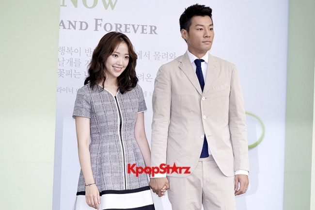 Yoo Ji Tae-Kim Hyo Jin Semi-Formal Attire for Lee Byung Hun-Lee Min Jung Weddingkey=>0 count5