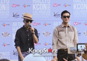 Dynamic Duo, Unfazed with Controversies, Says Hello to Fans at KCON 2013 in Meet-up [PHOTOS]