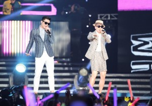 Dynamic Duo Gives a Taste of Korean Hip Hop at M Countdown 'What's Up LA' - Aug 25, 2013 [PHOTOS]