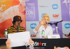 Super Junior M and SM Solo Artist Henry Participates at KCON 2013 Panel for Movie 'Final Recipe' [PHOTOS]